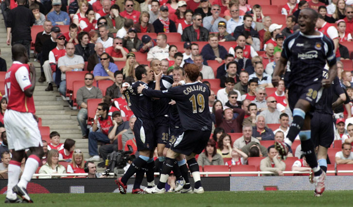 West Ham celebrate at the Emirates in 2007