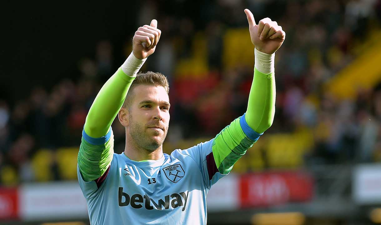 Adrian says farewell to the West Ham fans
