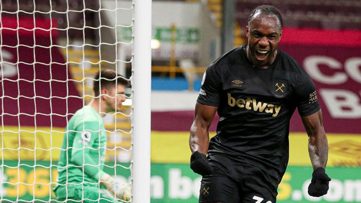 Michail Antonio celebrates