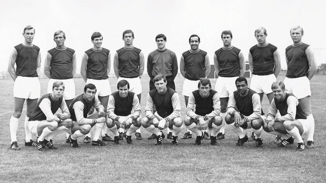 The West Ham United squad line up for a photo ahead of the 1967/68 season