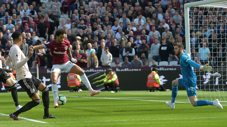 Felipe Anderson scores against Manchester United