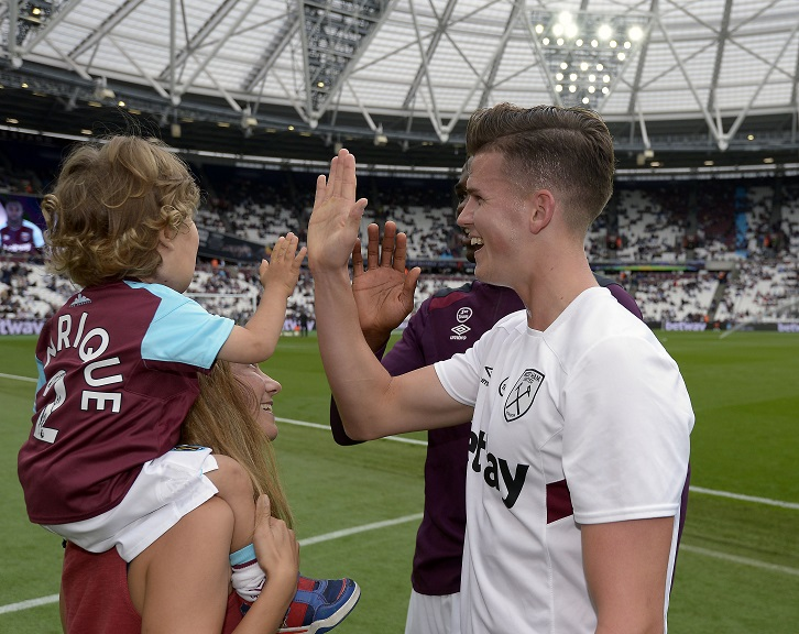 Sam Byram meets Henrique Buzio