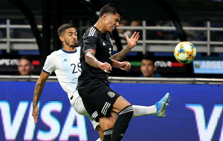 Manuel Lanzini in action for Argentina against Mexico