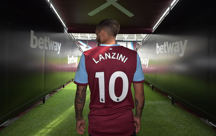 Manuel Lanzini in the London Stadium tunnel