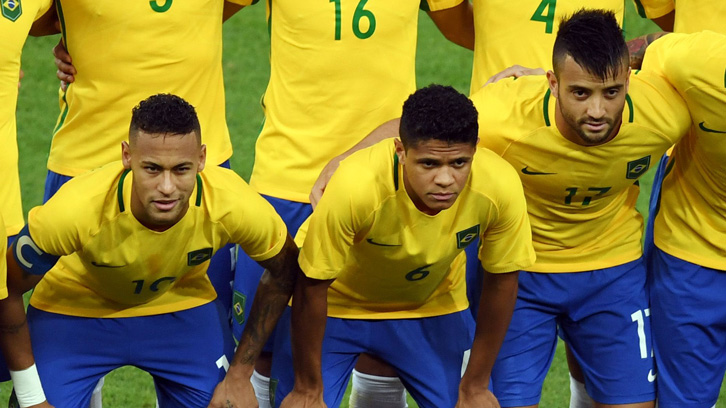 Felipe Anderson (right) and Neymar (left) have been teammates with both Santos and Brazil