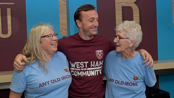Mark Noble with Any Old Irons members