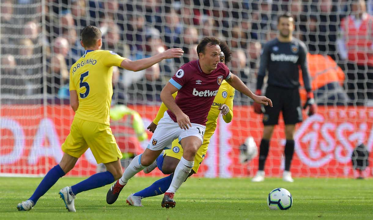 Mark Noble in action against Chelsea