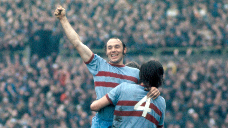 ed837bca West Ham great Pop Robson uncorks his Claret and Blue memories ...
