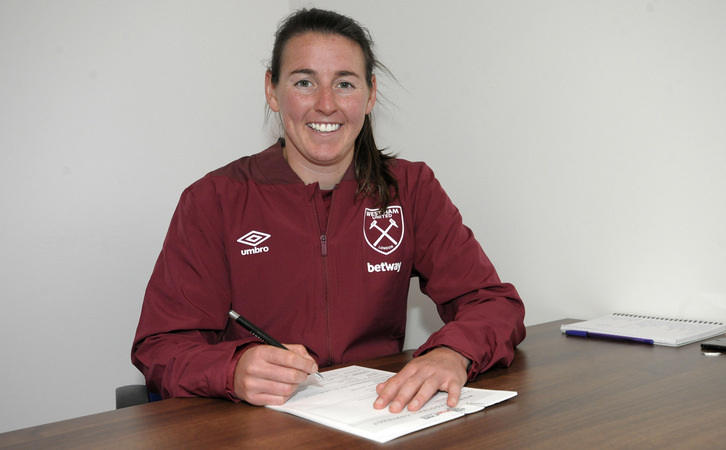 Erin Simon signs for West Ham