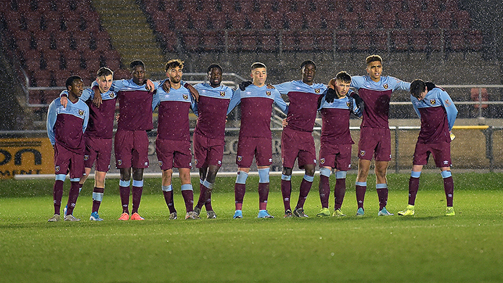 West Ham United U18s show their togetherness (photo: December 2019)