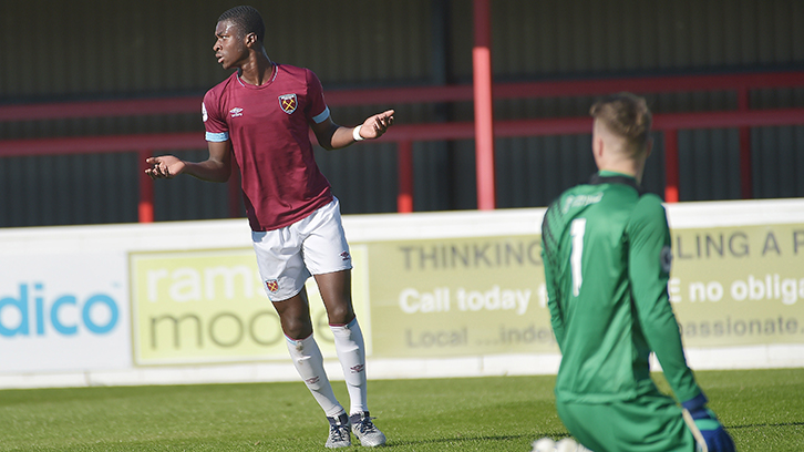 Sean Adarkwa scores for West Ham U23s during the 2018/19 season