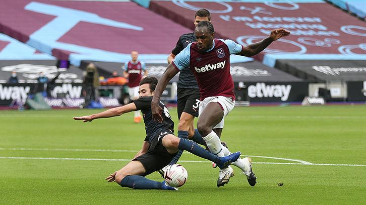 Michail Antonio against Manchester City