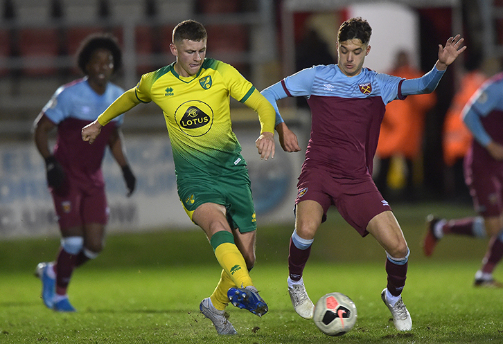 Bernardo Rosa competes for the ball against Norwich U23s