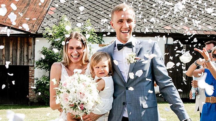 Tomáš Souček and wife Natalia celebrate their wedding in August